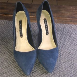 Gorgeous blue alice + Olivia shoes heels sexy!